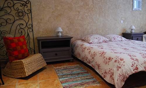 Chambre adaptée PMR du Gite de Groupe le Moulinet