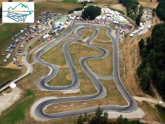 Vue du ciel du circuit de karting d'aigues vives