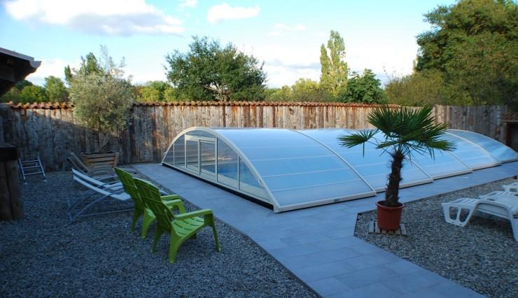 La piscine couverte du gite de groupe pr s de toulouse for Gite de groupe avec piscine couverte